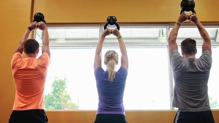 BOOST YOUR BURN WITH THIS KETTLEBELL PARTNER WORKOUT