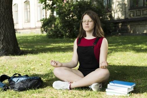 6 Little-known Benefits of Meditation for Students