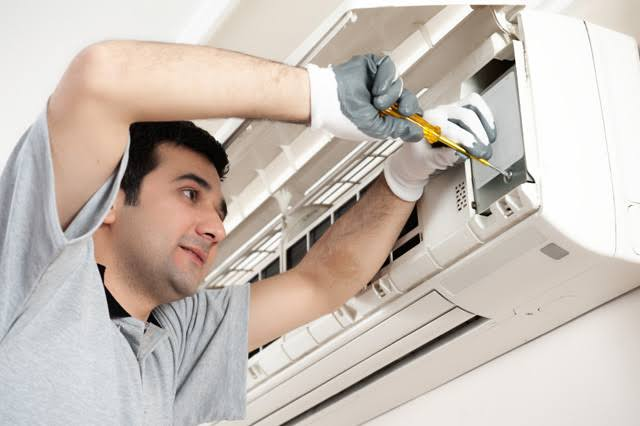 7 Keys to Choosing the Right Team for Your AC Repair in Katy TX