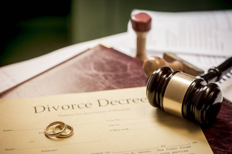 How Out of Court Divorce is a Better Option to Seeking Divorce through the Court