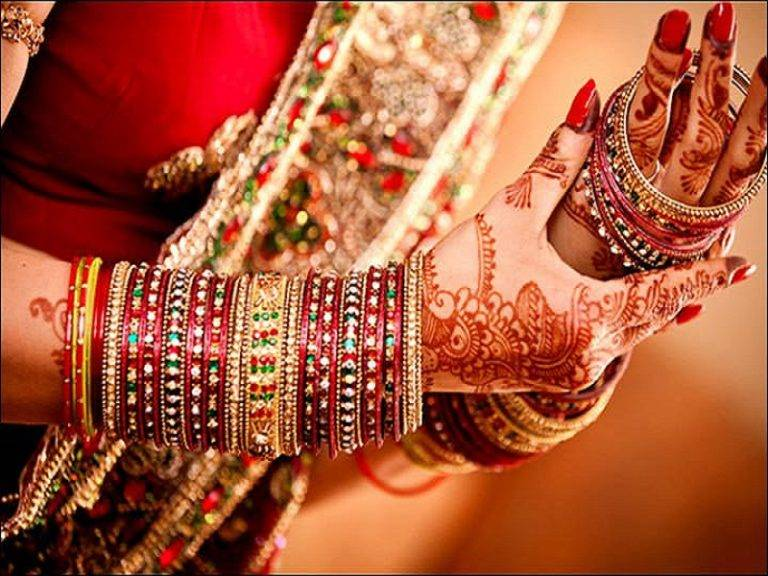 Different type of bangles worn by Indian brides