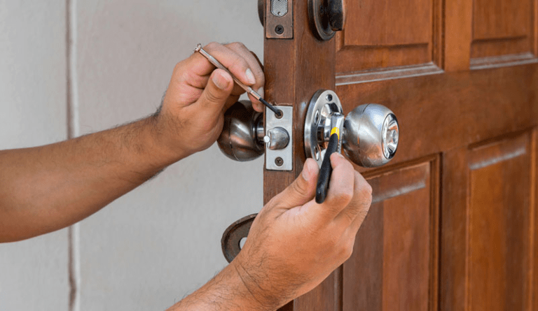 Tips To Choose the Best Commercial Door Repair Service