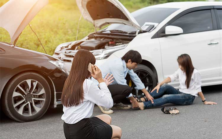 3 reasons for hiring an auto accident attorney in Illinois