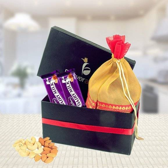 Chocolate Gifts in Noida That Fits Every Kind of Occasion